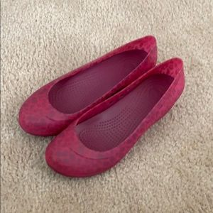 Shoes - Crocs Pink Leopard wedge